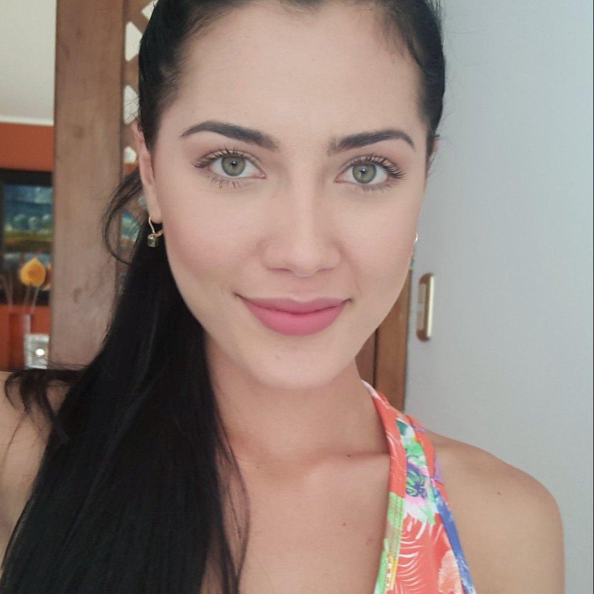 DEBATE sobre belleza, guapura y hermosura (fotos de chicas latinas, mestizas, y de todo) - VOL II - Página 6 CgK1smkXIAAxfCM