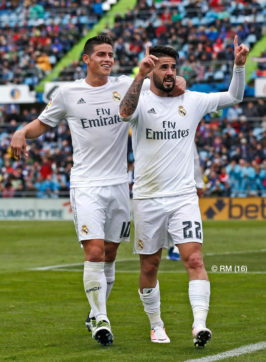 Real Madrid keeps up pursuit of Barcelona with five-goal victory