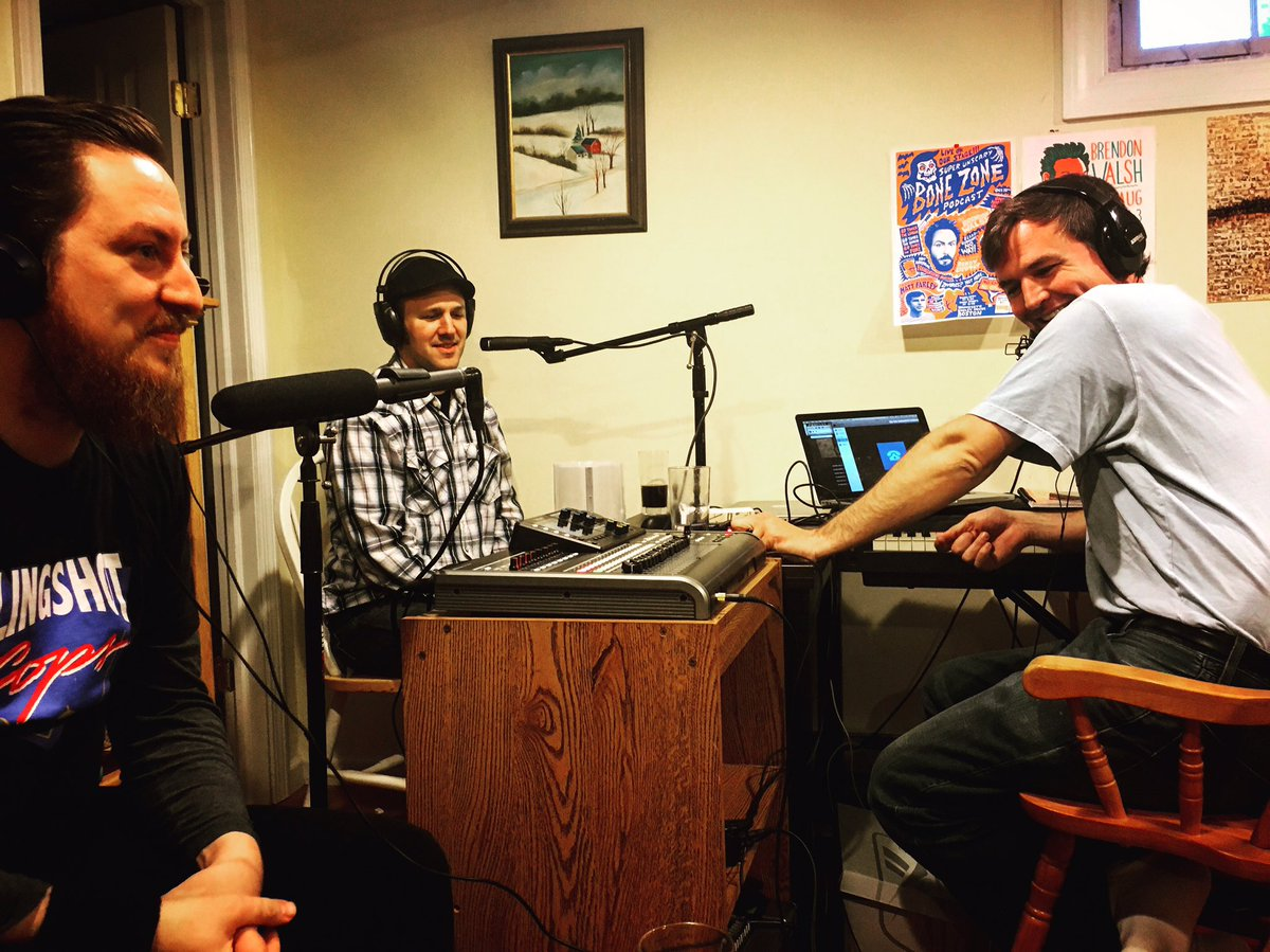 Recording with @MoternMedia @aftermoviediner @HoldTheMayoPod #podcast #farleycrossmayo #locallegends https://t.co/r7xkfEMS3G