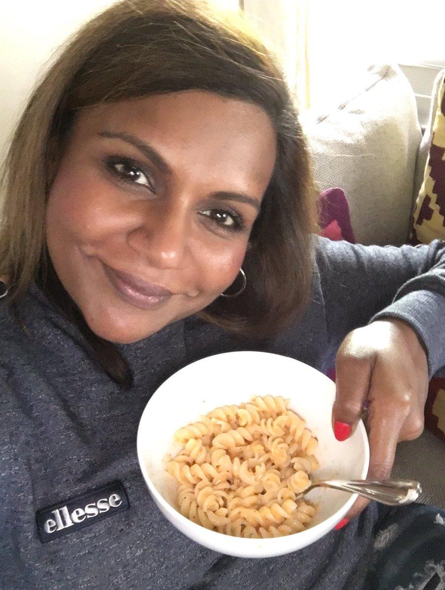 Mindy Kaling On Twitter Slow Jog Coffee W Ders808 Skype W Jocelynleavitt Now Vegan Mac N Cheese I Made Kimmyschmidt Good Saturday
