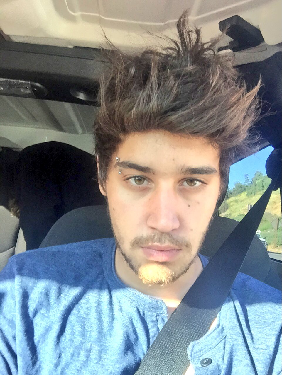 "Jai Brooks on Twitter: ""Hair looks like a messy pineapple…"