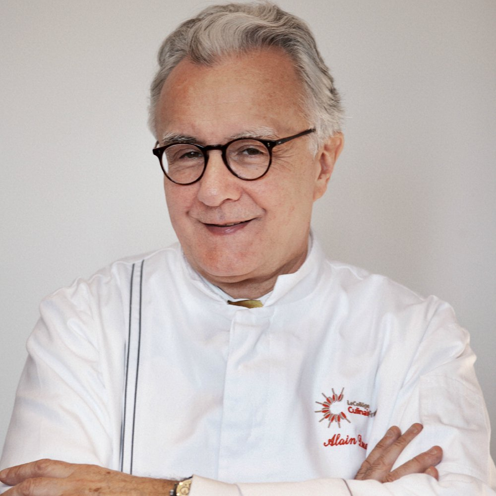 """Everywhere in the world there are tensions – economic, political, religious. So we need #chocolate."" Alain Ducasse https://t.co/qvGIt3GcJA"