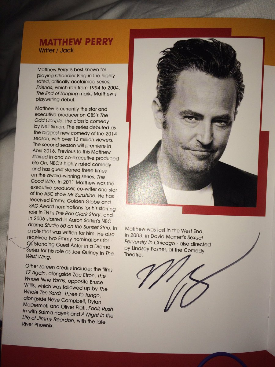 What a night! I met my idol, seen his play and got his autograph! Thank you so much @MatthewPerry 😍😊😍😍❤️ #LoveHim!❤️
