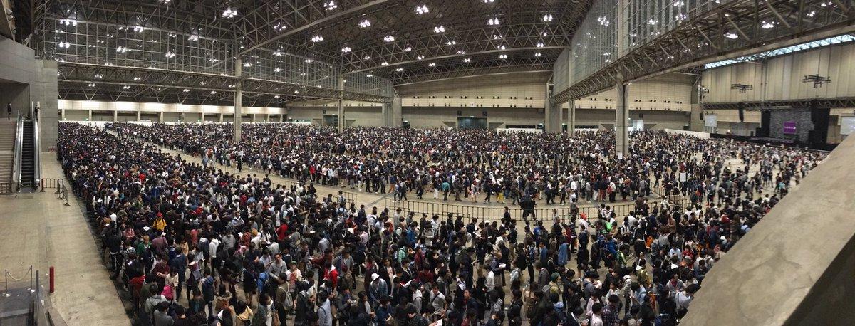 「欅坂46すげぇー!」のあとに、昨日の乃木坂46の握手会の写真を見たら、すごいを通り越してもはや事件でした…。ハルジオン咲きすぎー! #乃木坂46 #欅坂46 #ハルジオンが咲く頃 #サイレントマジョリティー https://t.co/thd0YXyvrL