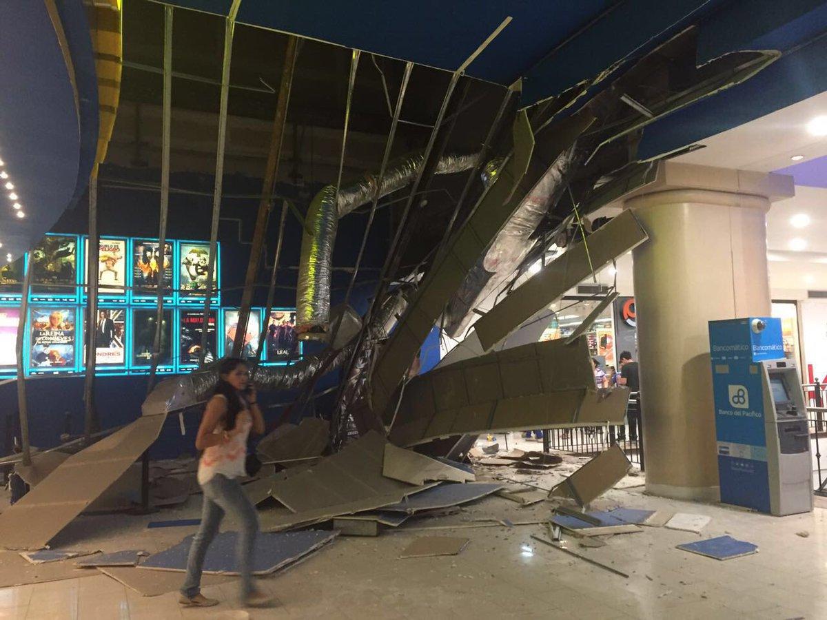 Violento terremoto M7,8 in Ecuador sentito in Colombia provoca allerta tsunami