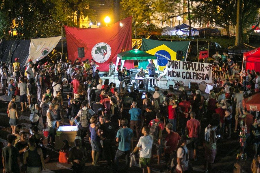 Júri popular diz que mídia brasileira é golpista, corrupta, elitista e racista https://t.co/qvBCCvzChb https://t.co/Z8o6s7c4uv