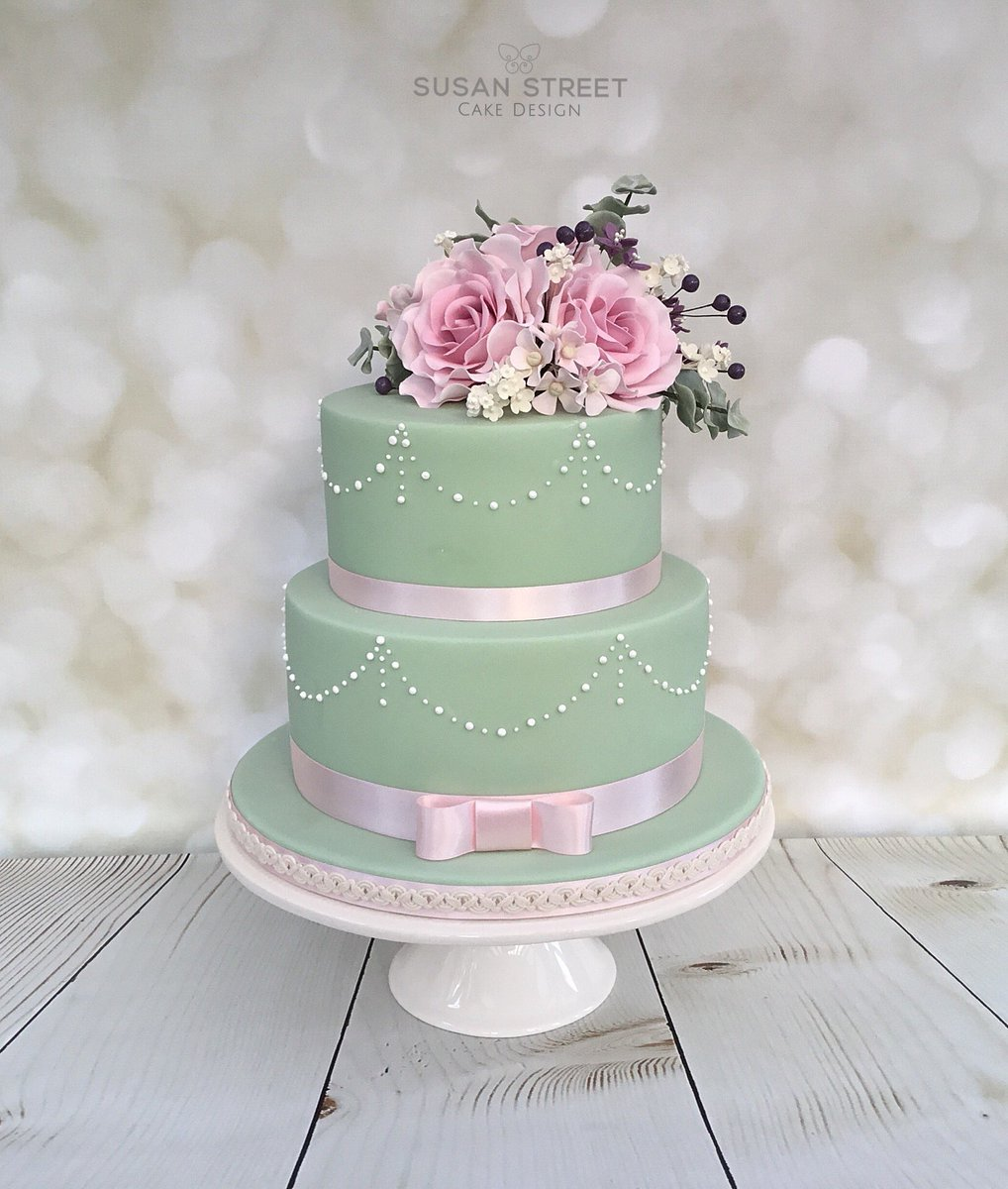 Ideas About Vintage Birthday Cake