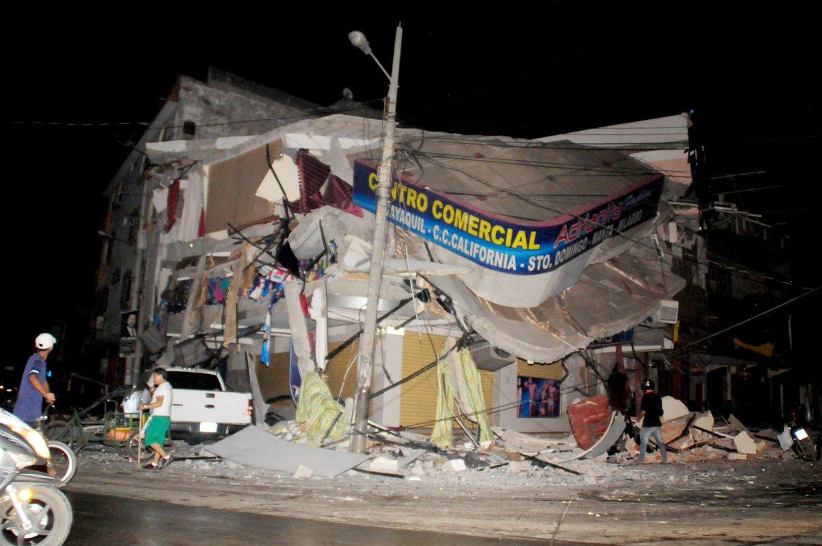 Terremoto M7,8 in Ecuador: bilancio grave con il passare delle ore, nuova scossa M5,6