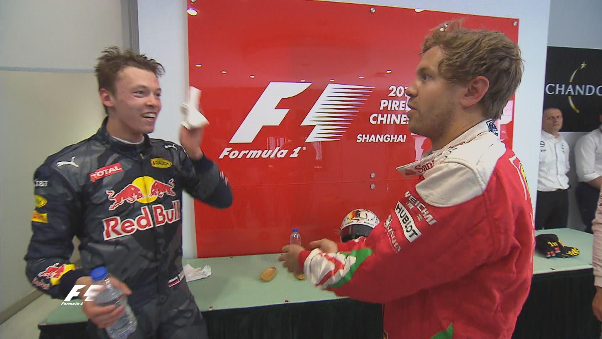 Így osztotta ki Vettel Kvyatot a futam után!
