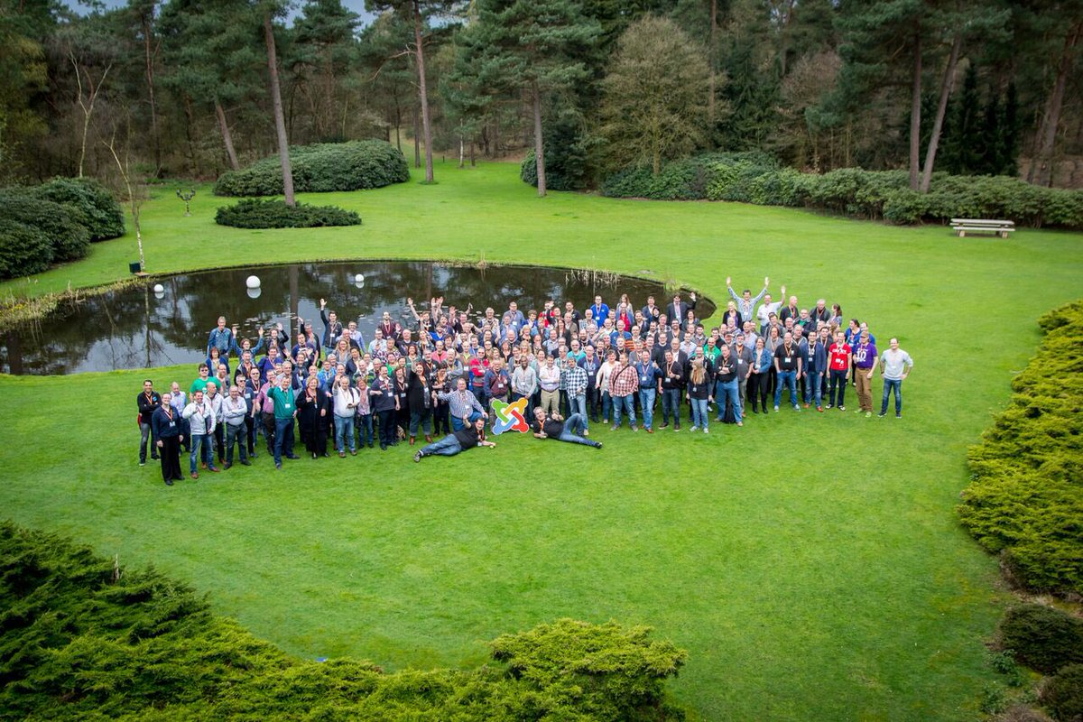 Group photo from @joomladagen 2016! #jd16nl https://t.co/LjwlGRP3Gs