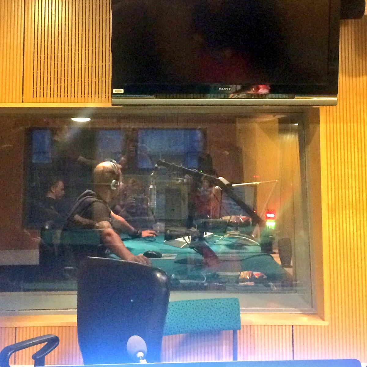 #radiobattleSI @andrejkaroli in action \m/ @Val202 https://t.co/KGDFKZWLk0