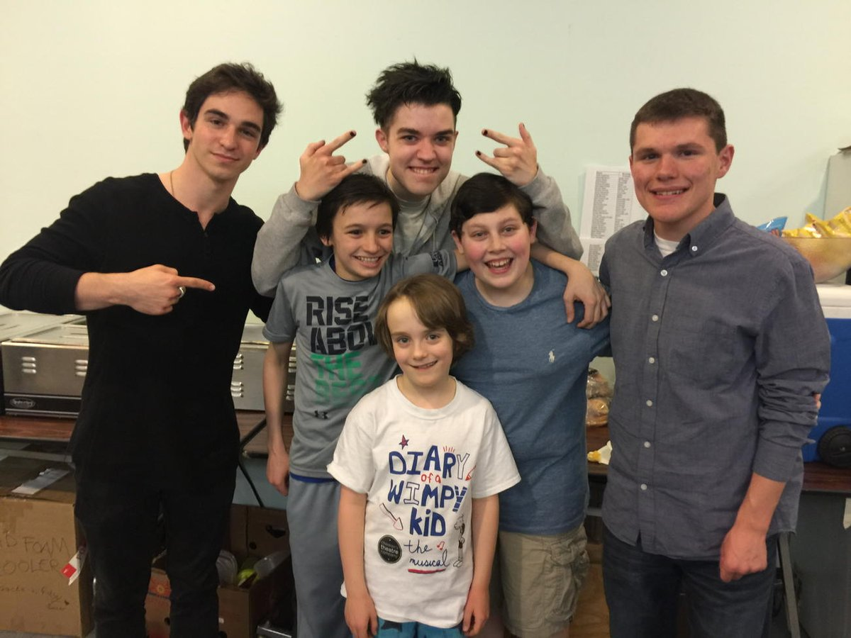 Jeff Kinney On Twitter The Original Wimpy Kid Actors Surprised The Cast Of The Wimpykidmusical With A Visit Last Night