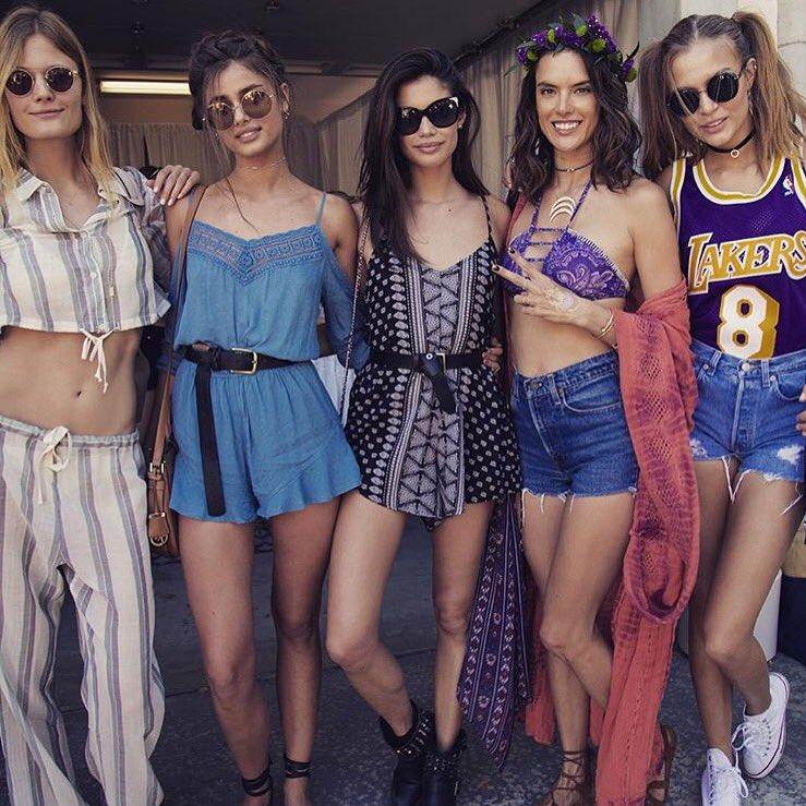 All the Ladiessss ❤️❤️❤️ @TaylorMarieHill @SaraSampaio @AngelAlessandra @JosephinSkriver #CoachellaEllaEllaA https://t.co/XHojg25b83