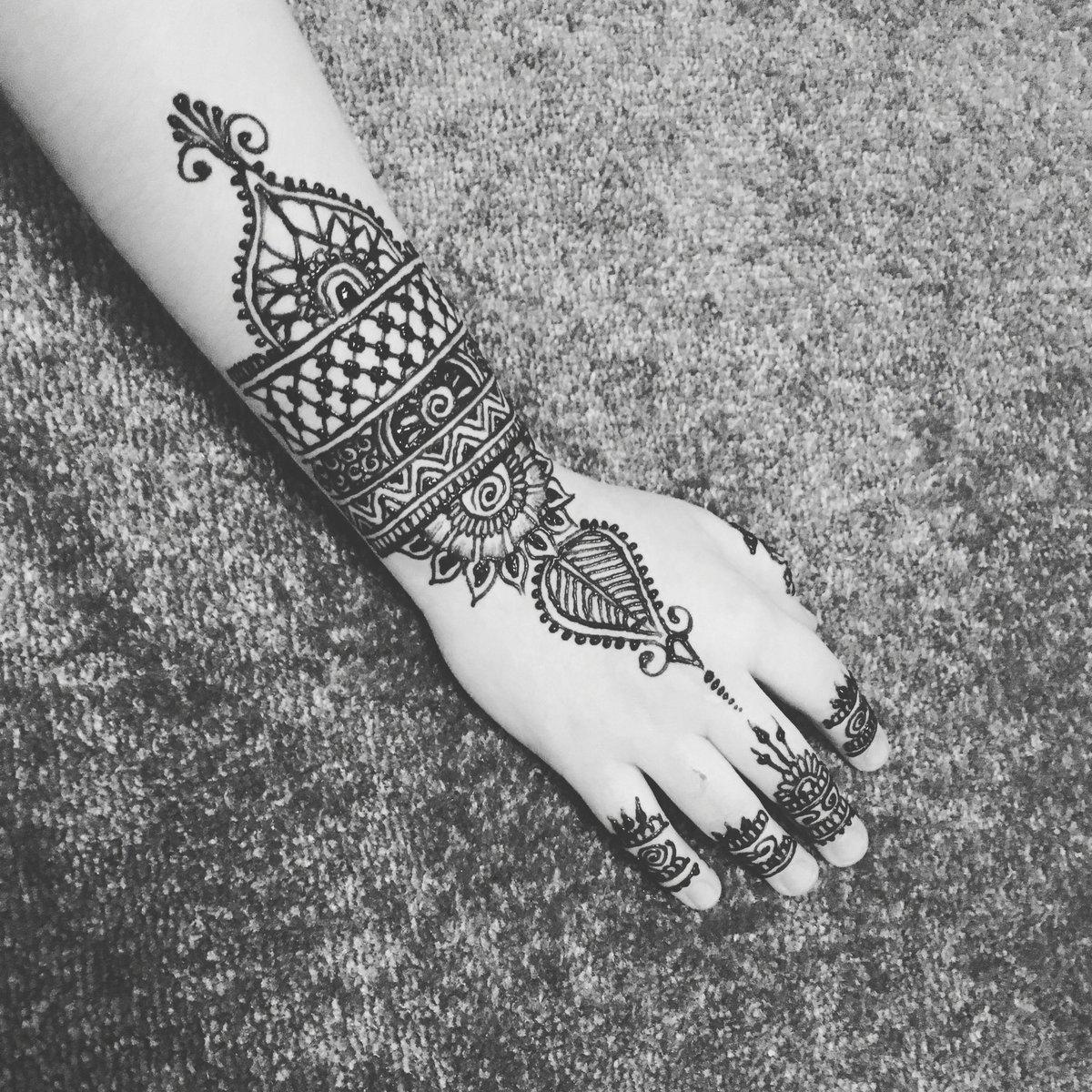 Henna Beautique On Twitter Henna Tattoo London Artist Mehndi