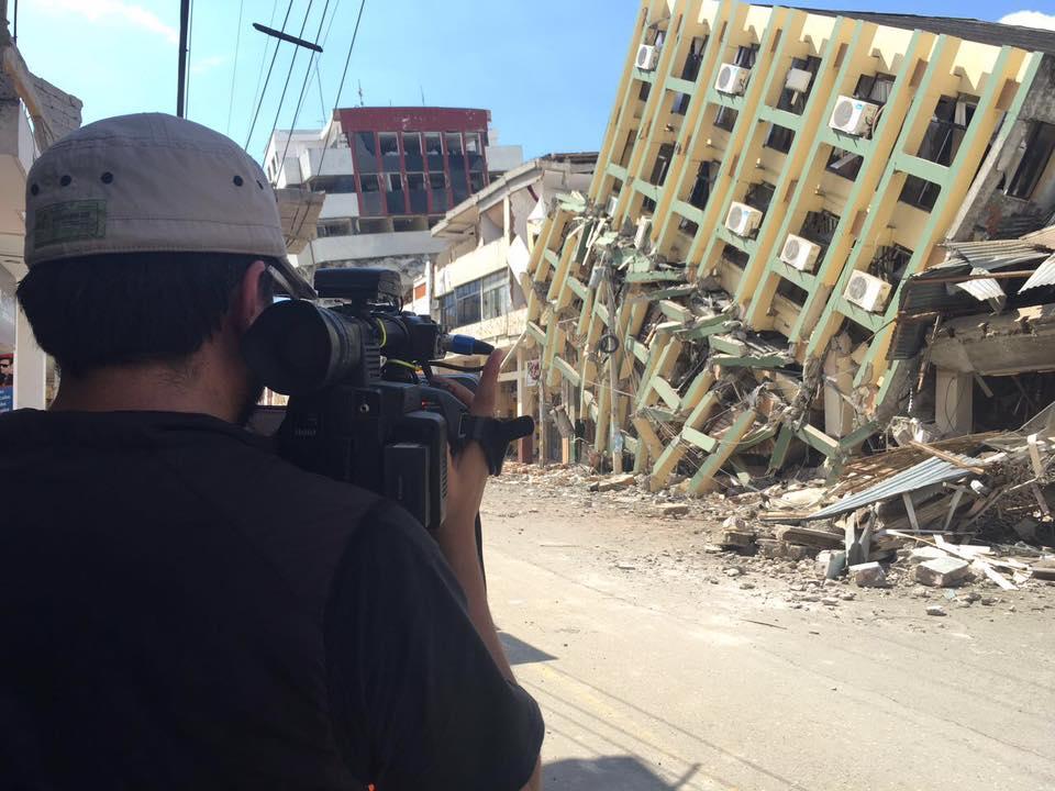 Scappano dalla prigione di Portoviejo durante il Terremoto in Ecuador