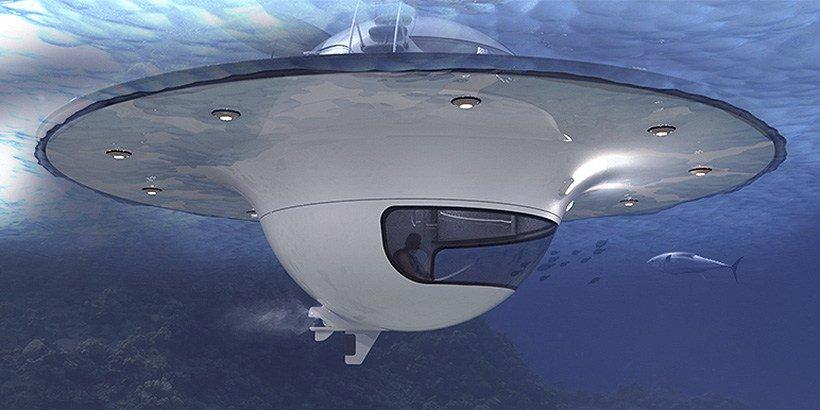 Casa a forma di UFO, flottando nel mare