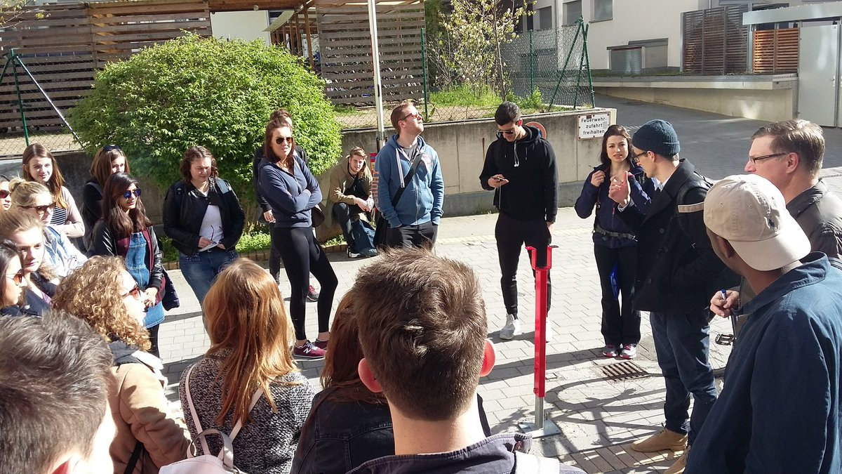 Morning briefing. It's street art  day! And the sun is with us too. @mikegoodman56 @UniRdg_GES #GESBerlin2016 https://t.co/j6tgQhxYVe