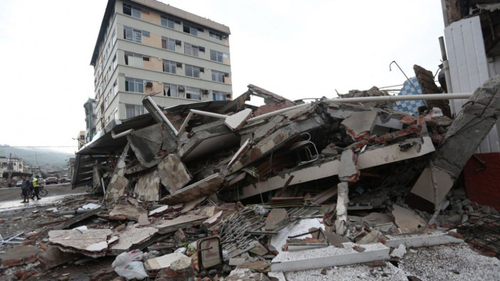 Earthquake Kills 235 In Ecuador https://t.co/hbeQhKl9Ho https://t.co/8gqOOQdabl