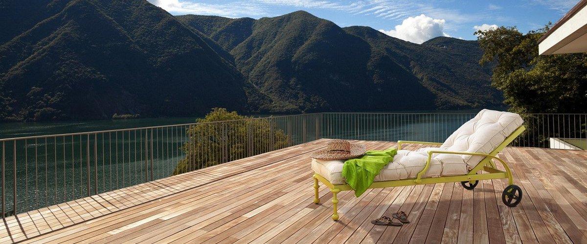 Découvrez quelle essence de bois est idéale pour une #terrasse solide et planète préservée. https://t.co/VMZZpO5XSC https://t.co/MHDRrWswFp