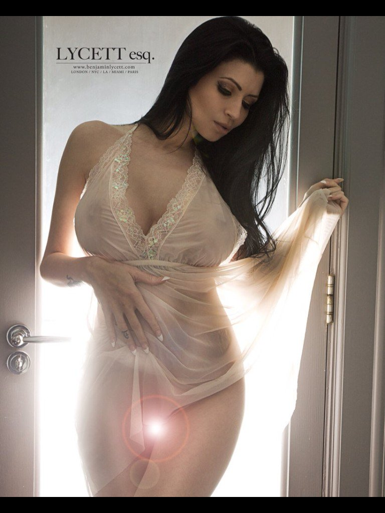 Lilly Roma  - Little angel twitter @Lillyroma1