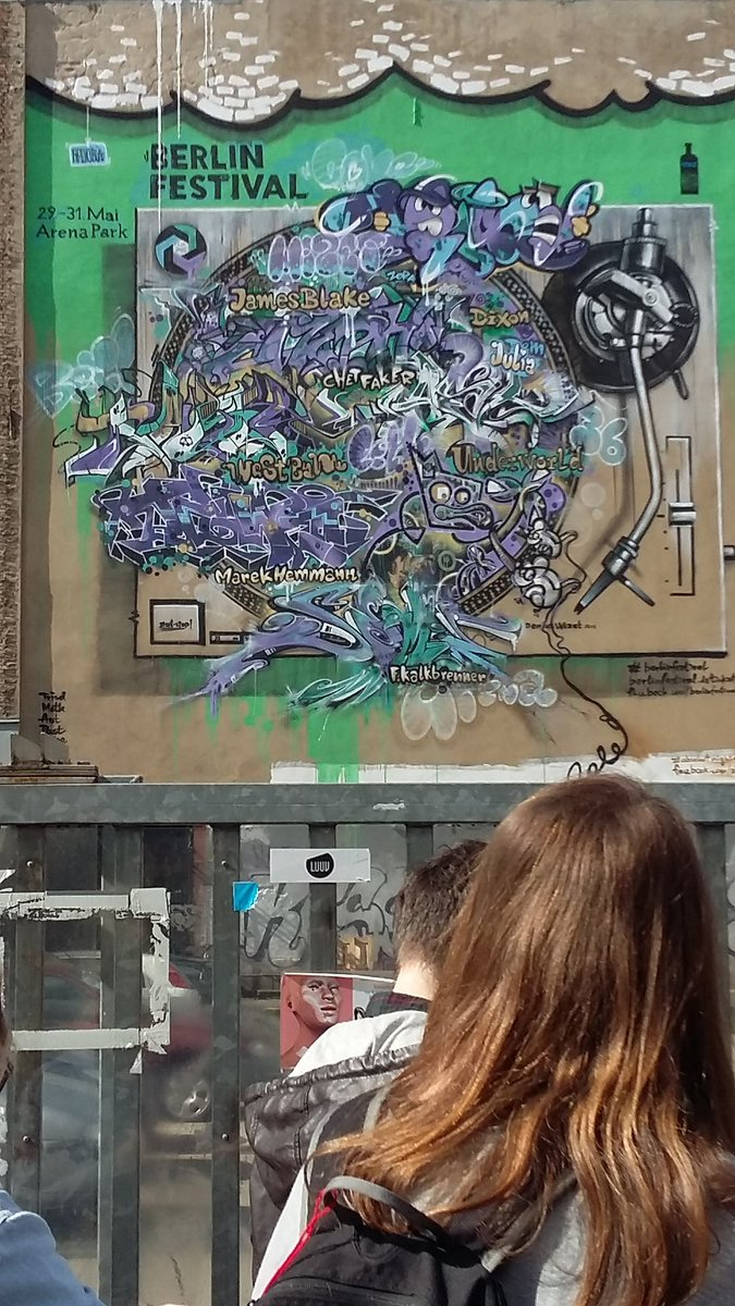 What a day in Berlin. Street art. ... @UniRdg_GES @mikegoodman56 #GESBerlin2016 https://t.co/tBkcKgm7l0