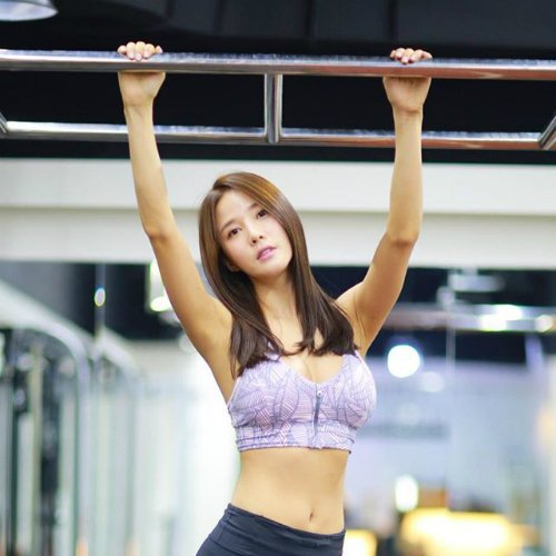 夏だ!ビキニだ!筋肉だ!★ 韓国「筋肉女子」フォトグラフ 夏!?   新宿の筋肉の「耳よりキン肉情報」