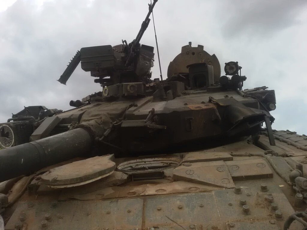 Photos Russian Made T 90a Tank Captured By Jabhat Al