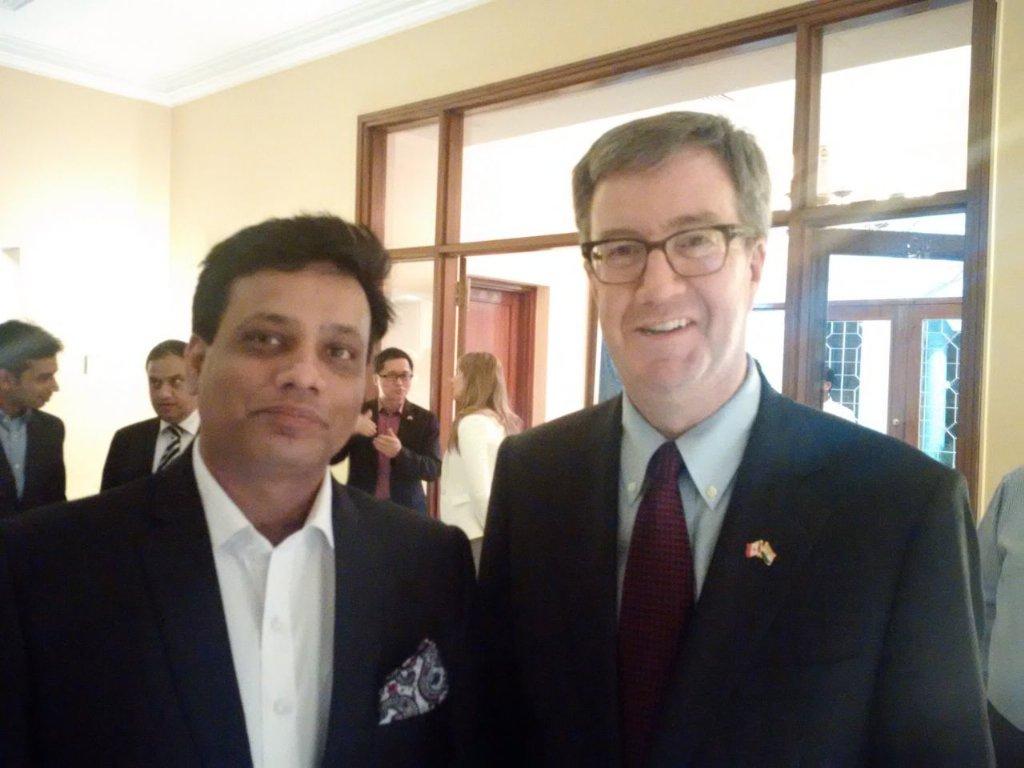 It was nice meeting you Sir @JimWatsonOttawa https://t.co/r5PXWYDxBr