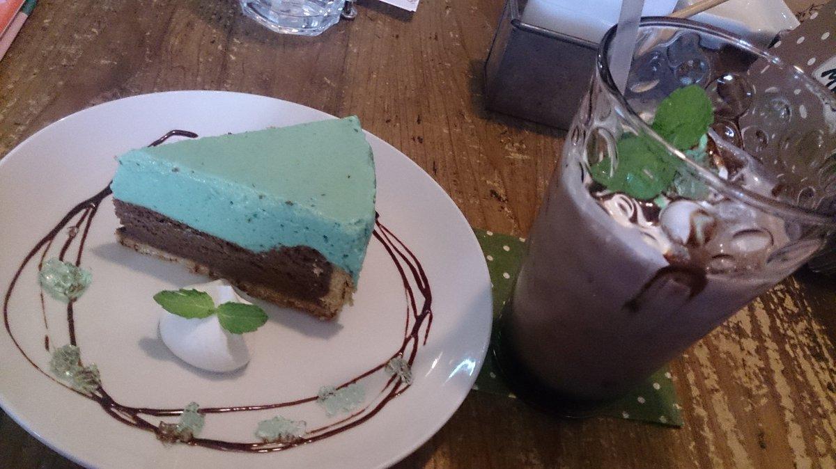 京都のcafe1001さんでチョコミントづくし!チョコミントパフェ、ショコラミントケーキ、チョコミントココア!チョコミント好きには夢のような机上!!ふぁああああ(*´ー`*)うまかったああああ(*´∀`)