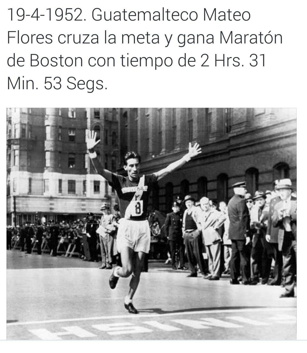 """#Eterno Un día como hoy en 1952 Doroteo Guamuch """"Mateo Flores"""" gana Maratón de Boston fotografía vía @GuatHistorica https://t.co/47XaZpoRdr"""
