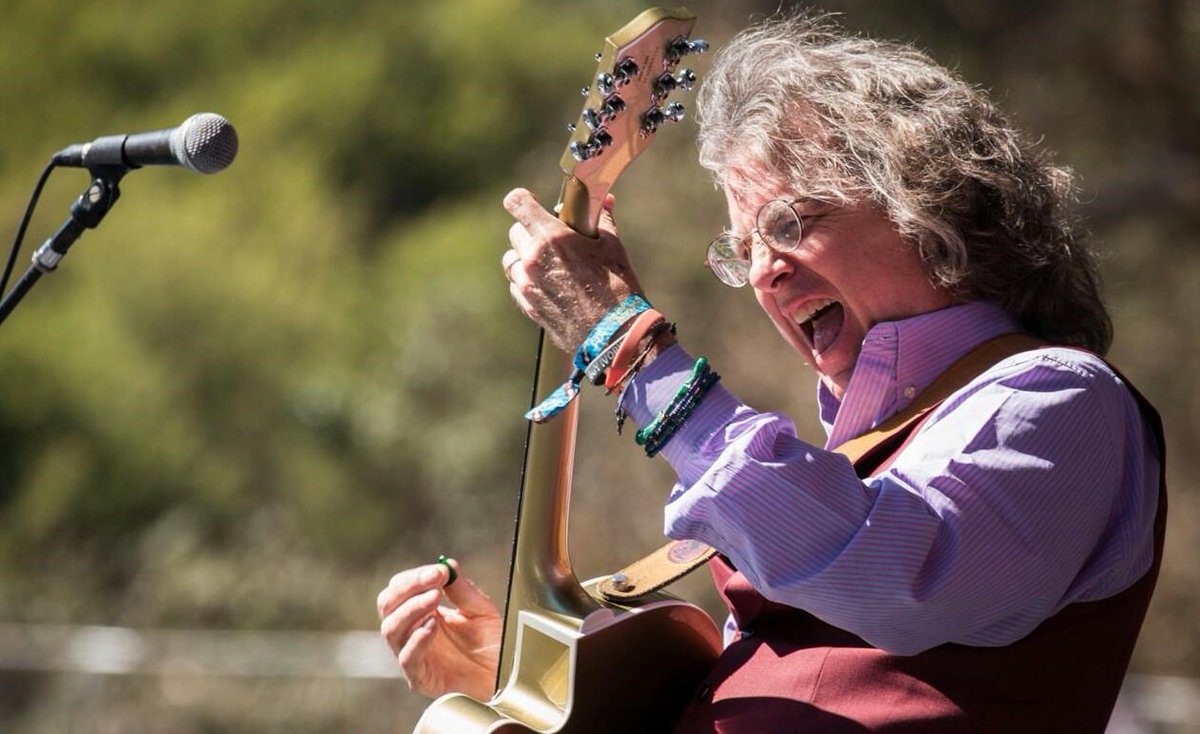 Business Tips from Roger McNamee https://t.co/hQaKZ19Axv ~ @CNBC regular @moonalice! cc @CenterDigital #startups https://t.co/tETynCGJvN