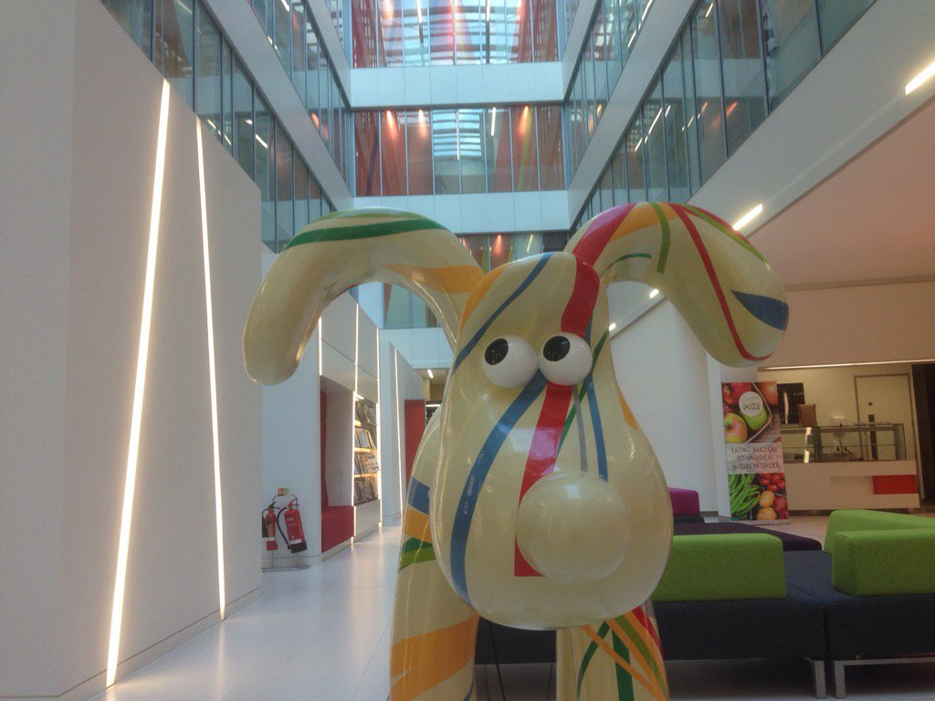 Gromit looking expectant this eve @rsawest in foyer @burgessalmon #bristol #rsawest https://t.co/X4rb1OxRmQ