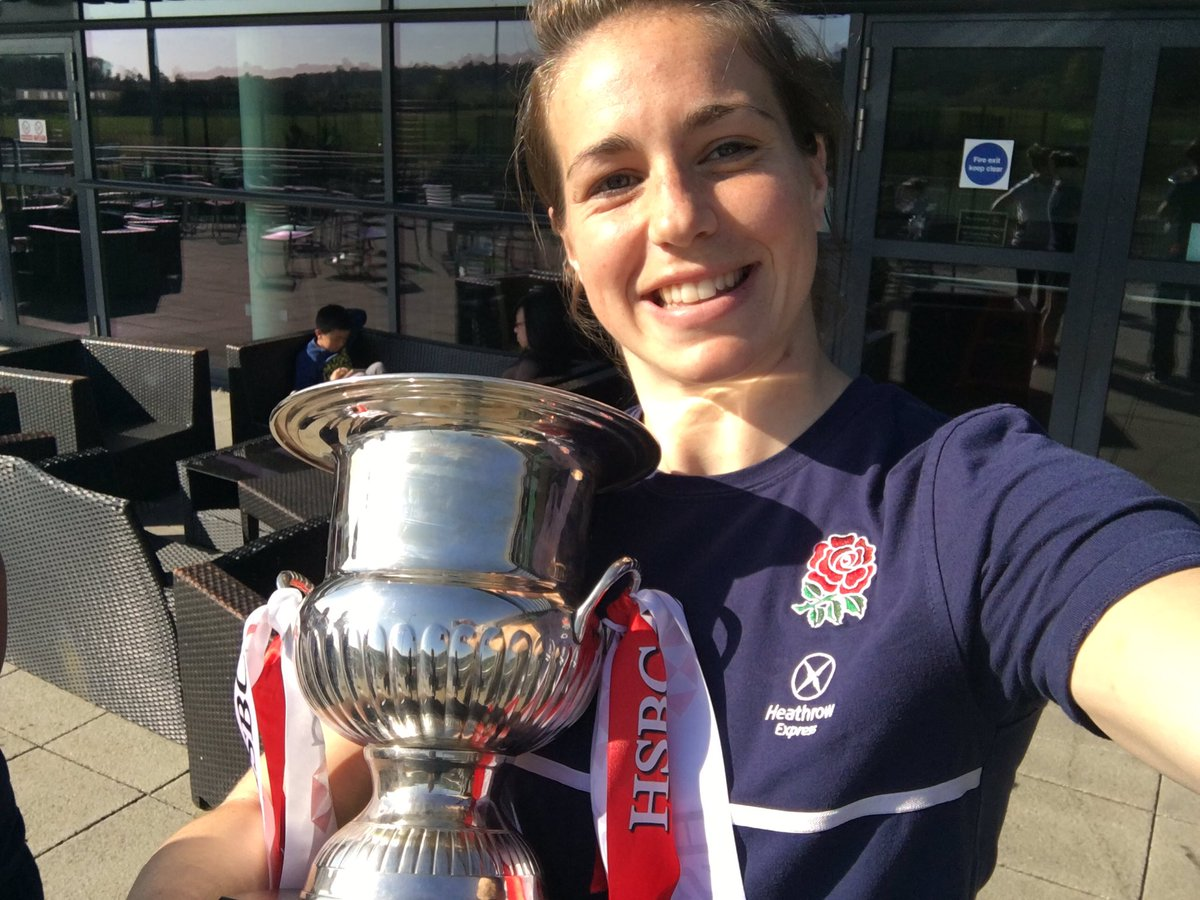 Today the @EnglandRugby 7s Women return home to Surrey Sports Park as champions! Congratulations! #captainselfie https://t.co/b5lNnFOLEU