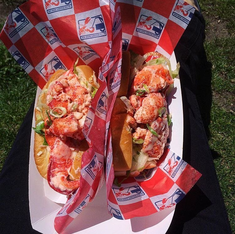Getting our #TwoForTuesday lobster roll lunch on because one is never really enough. #BigRed is at 50th and 6th ave https://t.co/8mSw2nFBMT