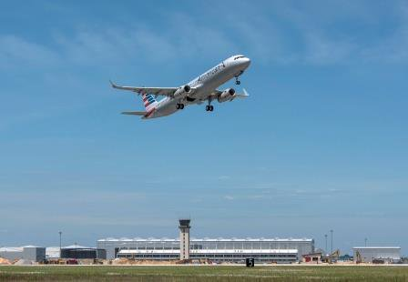 The 1st US-produced #A321 for @AmericanAir has completed its test flight in Mobile. Great day out! #AirbusinAlabama https://t.co/dWELpTpOBu