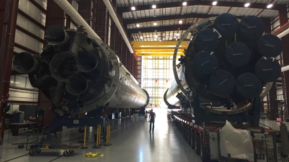 Lancement Falcon 9 / CRS-8 - 8 avril 2016 - Page 16 CgcvT0CUUAAee00