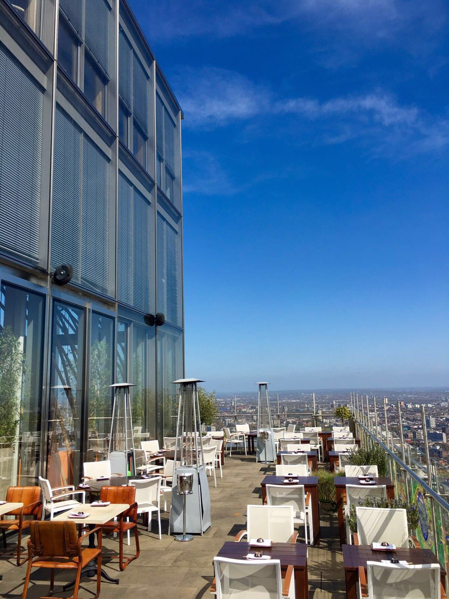 The sun is shining in #London today so are super excited & have opened our terrace for dining! #lunchwithaview https://t.co/aUUF5AvntS