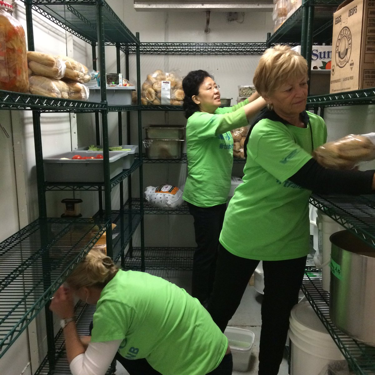 NBCC staff helping out at @FtonComKitchen. We spy @nbccpres! #transformNB #fredericton https://t.co/FiUldxJLw4