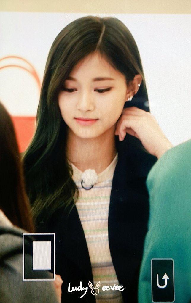 why is it rare for female idols to get ear piercings  - random