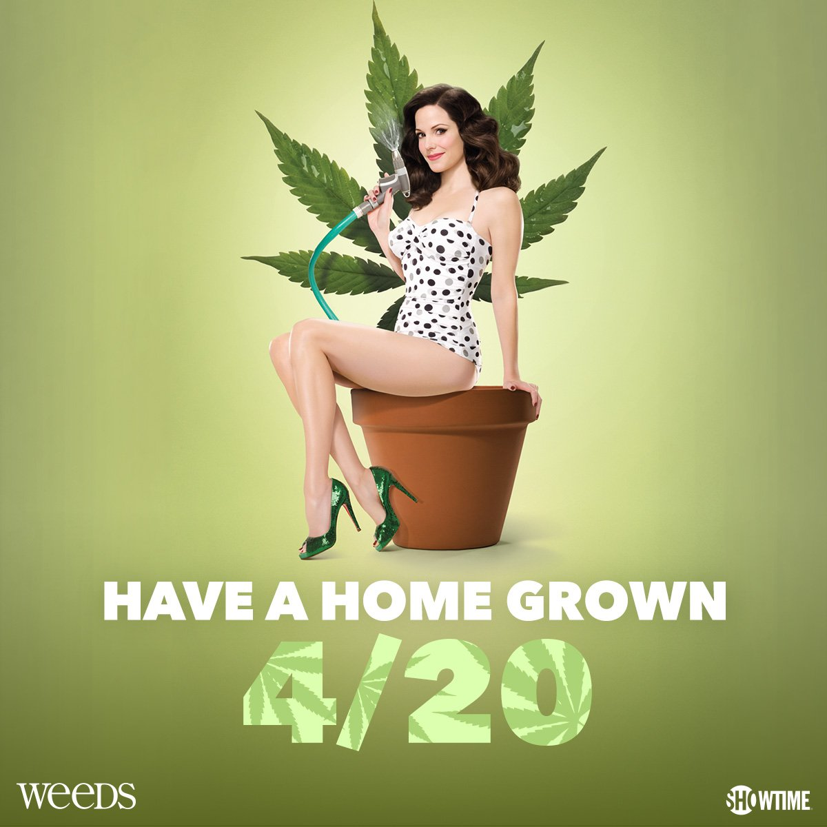 Grab some munchies & get ready for a hazy night of hilarity with #Weeds on https://t.co/pvDSrv0YpY. #Happy420 https://t.co/1jTFT1DS52