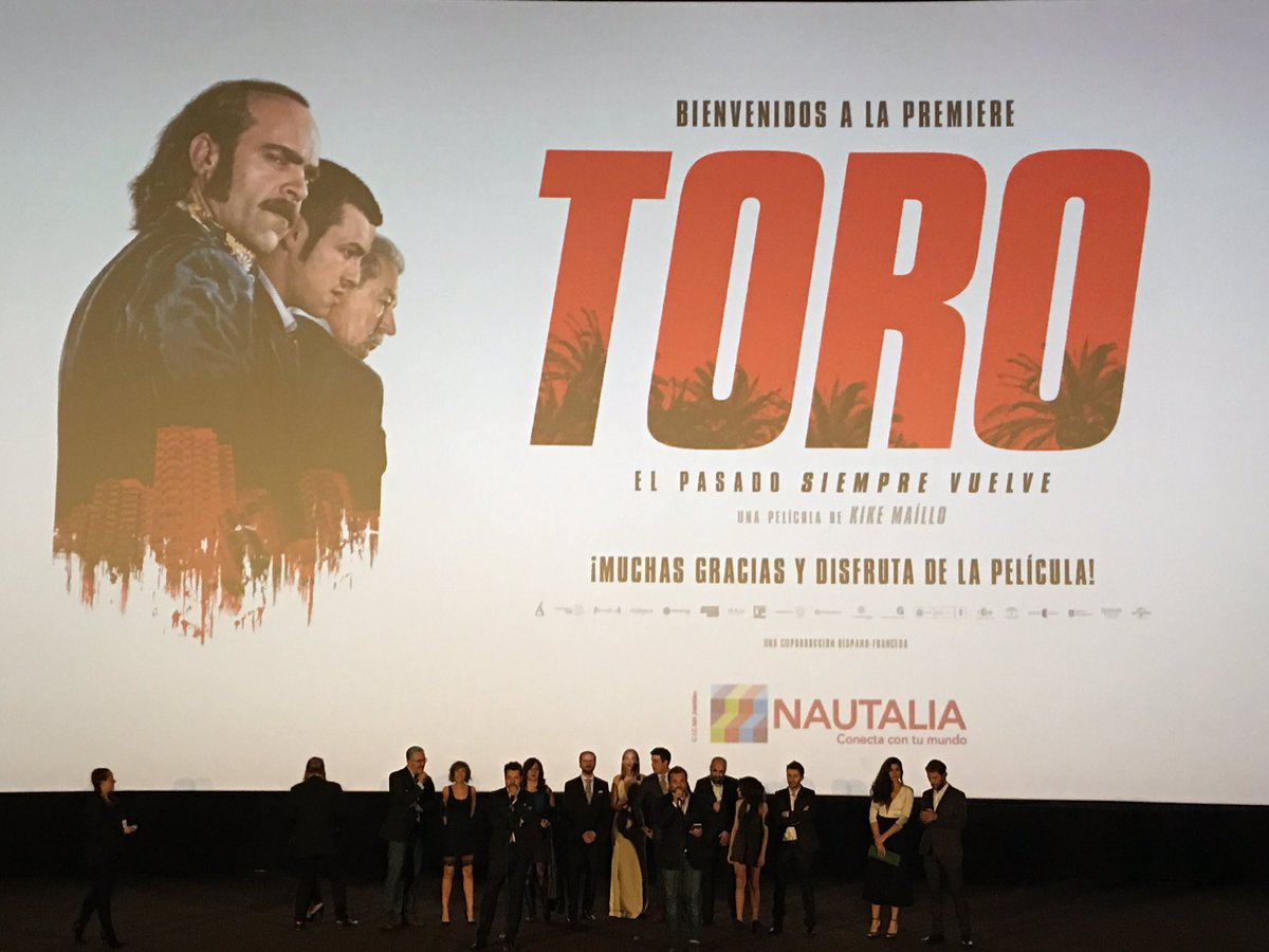Todo el elenco de #toro presenta la película. Muchas ganas de que empiece ya!!! Luego os cuento!! (Sin spoilers) https://t.co/P9kxqTQTym