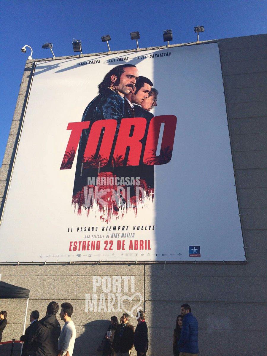 Así luce el cartel de #Toro en los cines Kinepolis hoy en la gran premiere en Madrid. https://t.co/Db5zJsMZAp