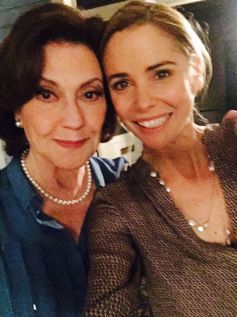 Living the dream working with kelly bishop and @thelaurengraham on one of my all time fav shows #gilmoregirls https://t.co/CPmLAXNcsc
