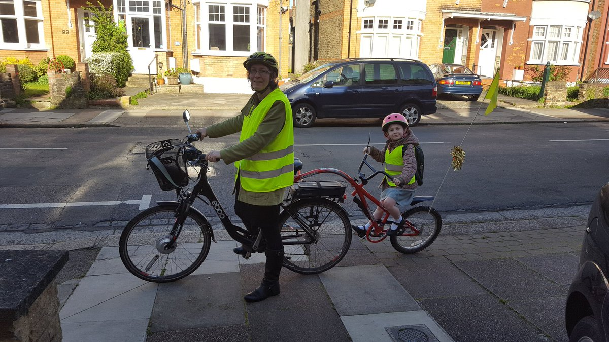 #schoolrunstories The bike makes our school journey fun and Elizabeth loves waving at people on the way! https://t.co/AM5ULBBcC7
