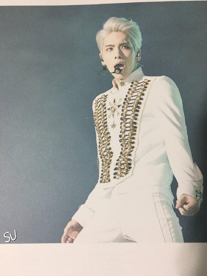 160421 SHINee @ Photobook SHINee World Concert IV CgjDzGnU0AADdjd