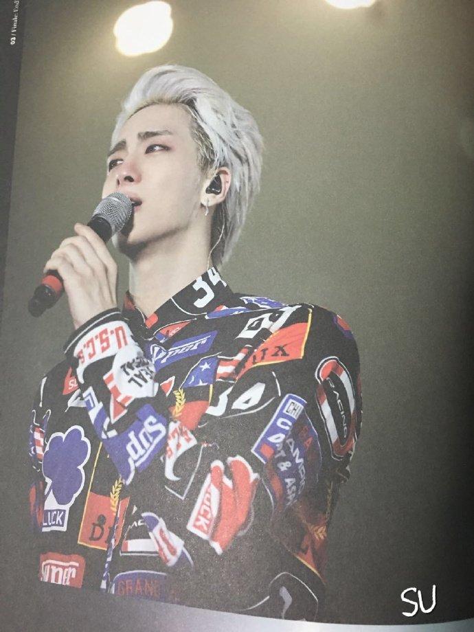 160421 SHINee @ Photobook SHINee World Concert IV CgjEGakU8AIfM-B