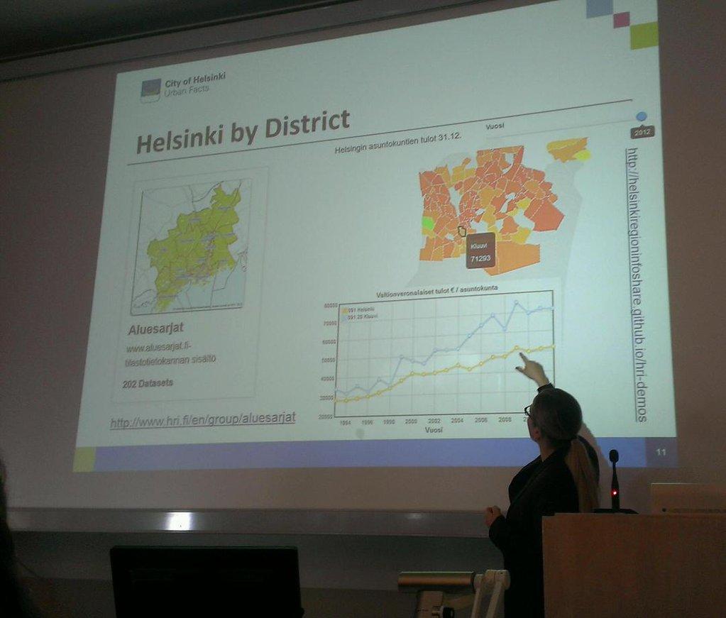 #dhh16 2nd orientation day starting with @TanjaLahti presenting @HRInfoshare Helsinki city #opendata catalog. https://t.co/egBFCpyJHO