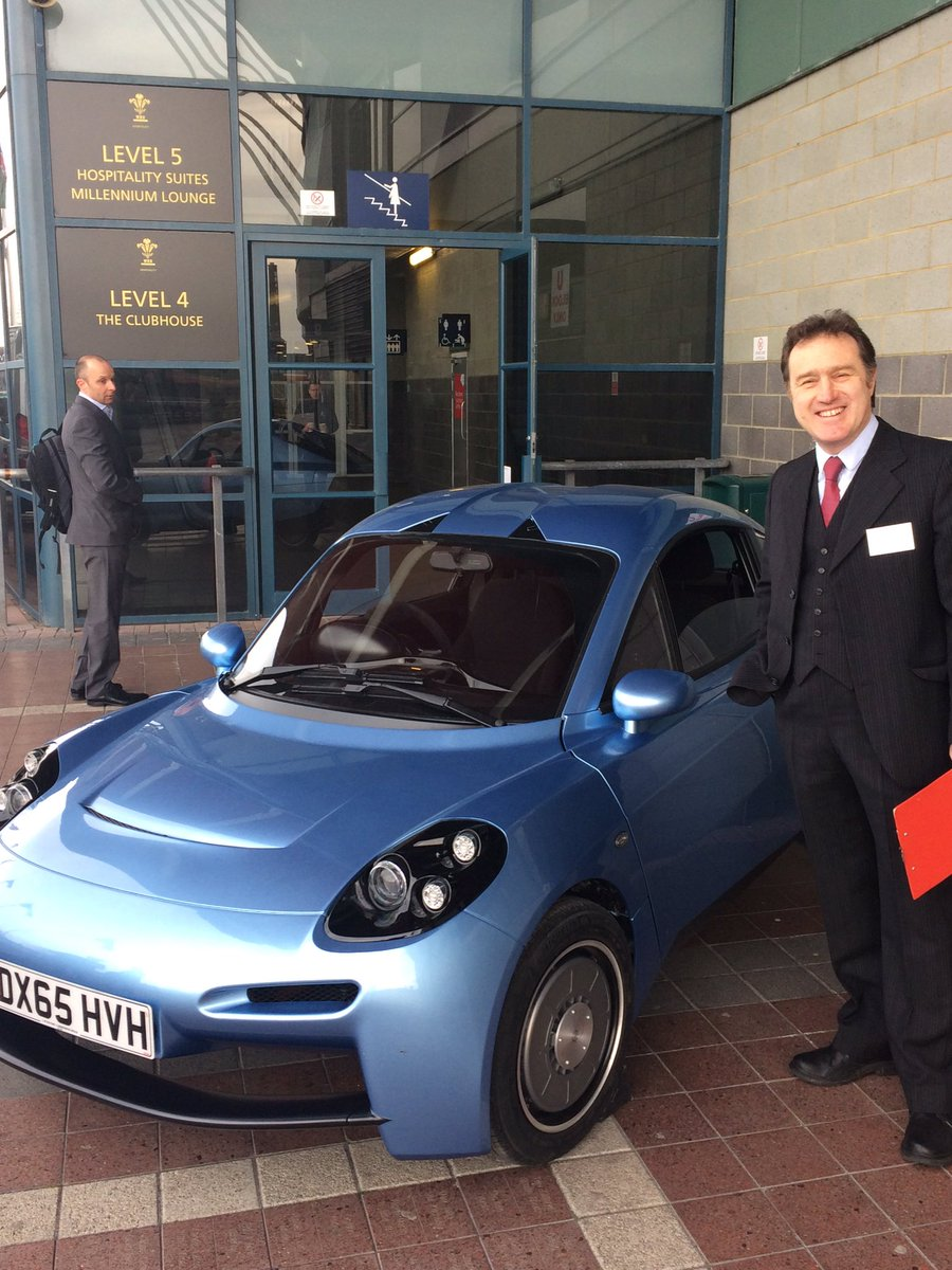 Our very own Rhodri Thomas next to the @riversimple Rasa car - it's even more incredible than we imagined! #SWS16 https://t.co/jYM8pEs94E
