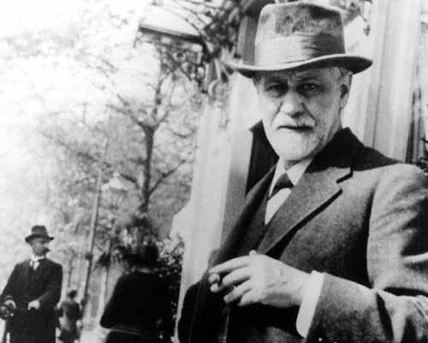 Sigmund Freud, aforismi frasi e citazioni: Scherzando, si può dire di tutto, anche la verità