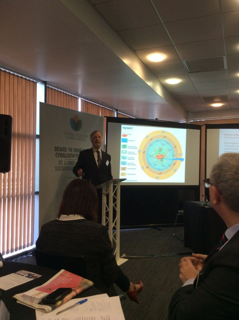 @CynnalCymru Herbie Girardet promoting Wales as first mover with only Future Generatiins Commissioner in the world https://t.co/X25mhckusM